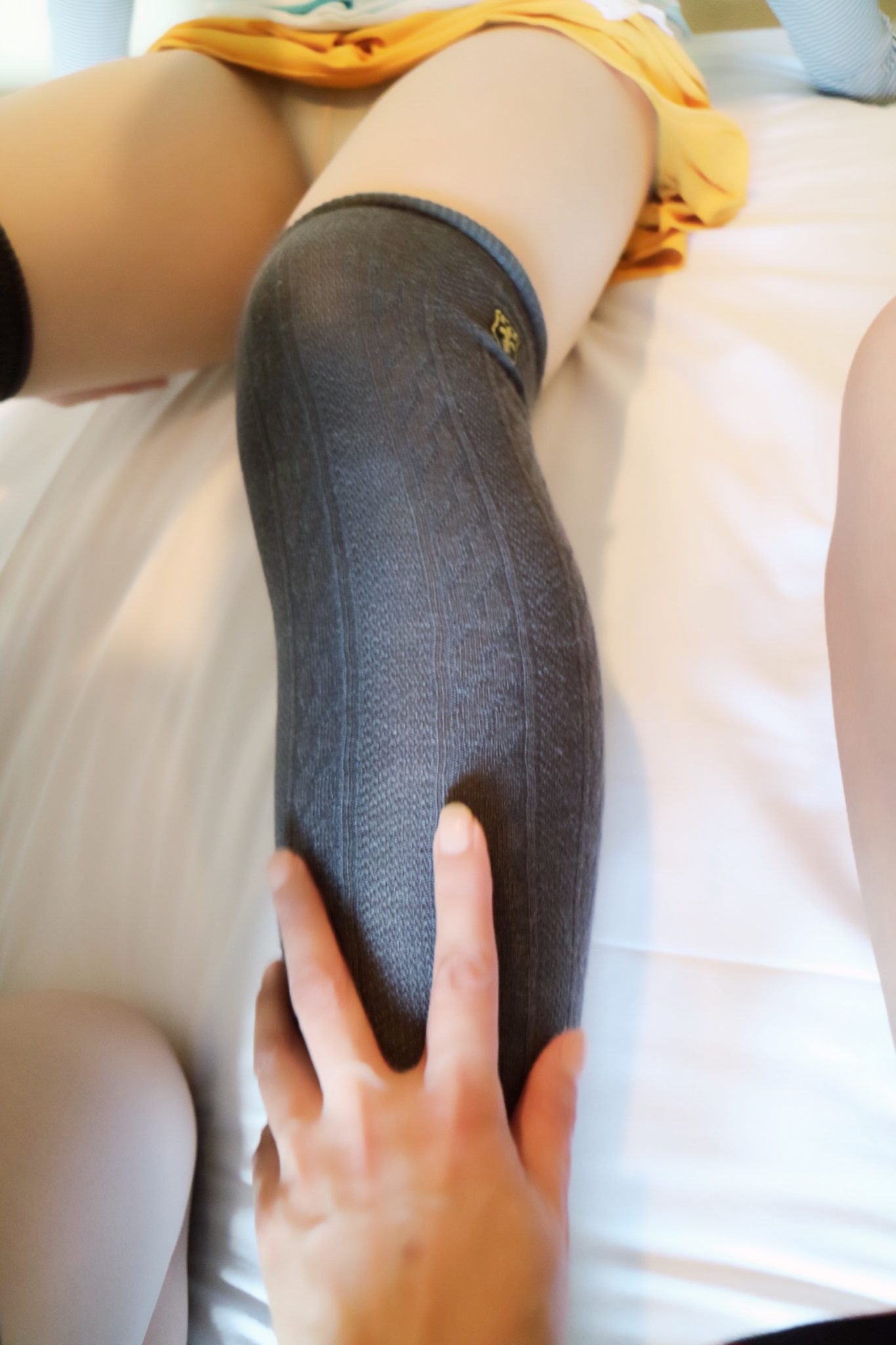 撮られて濡れて犯されて・・・女装3Pレズ&SMコース(ややソフト偏)・・フェミニン系OL女装 山下綾ちゃん編
