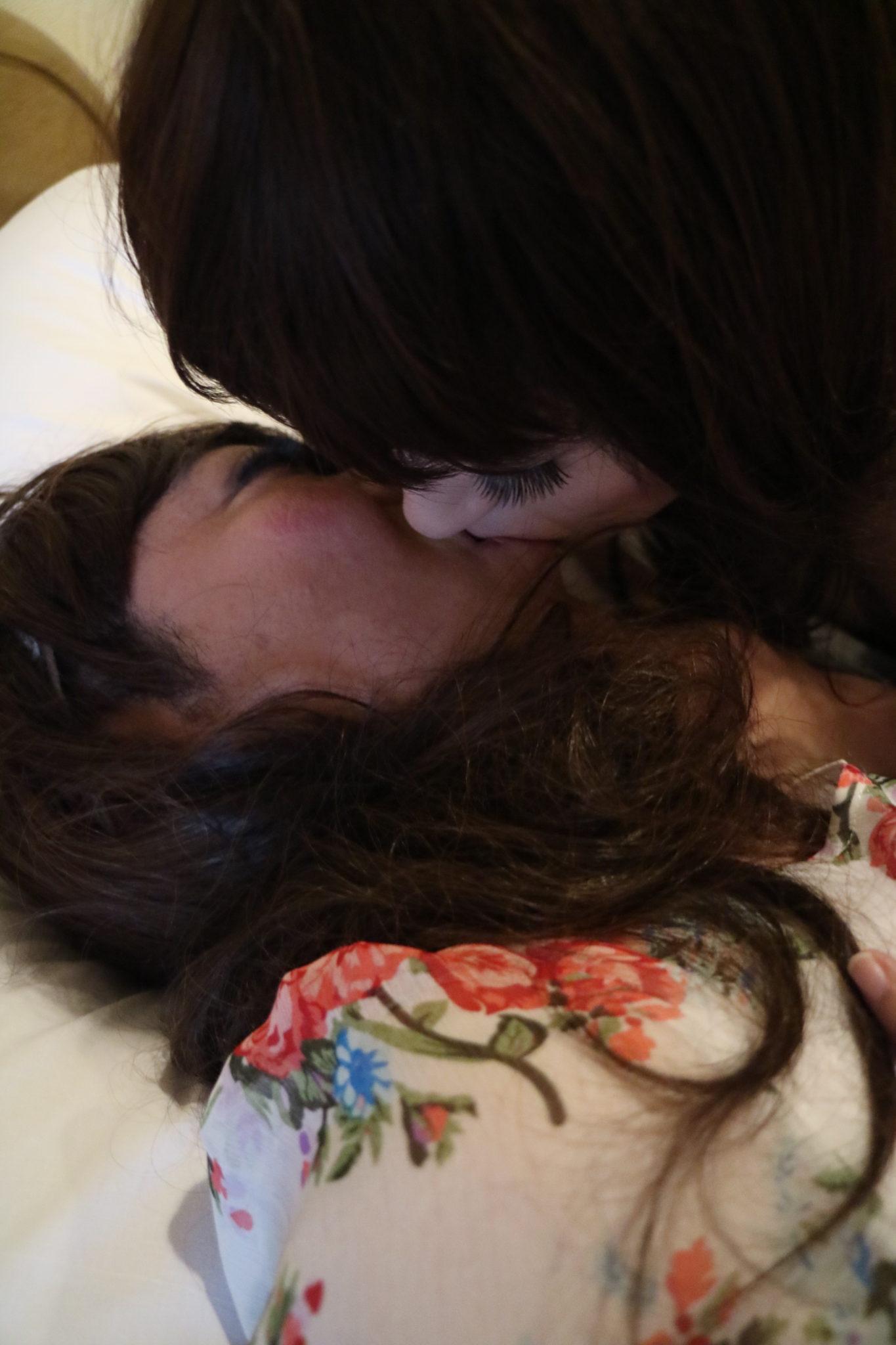 優しく抱いて💖いちゃいちゃレズ💕女装3Pコース〜フェミニン系OL女装 satomiちゃん編